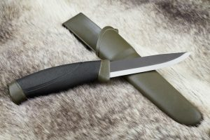 Uses and Importance of Hunting Knives for All Individuals